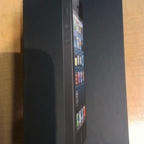 iPhone 5 unboxing - box voor zwarte versie