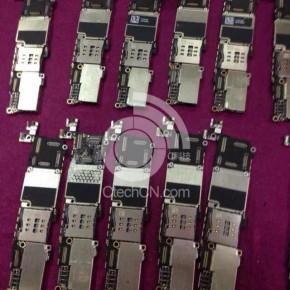 Tientallen moederbords van de iPhone 5C